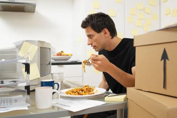 Los empleados pueden contribuir al mantenimiento de ordenadores